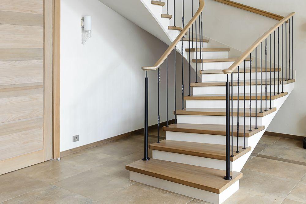 Отделка бетонной лестницы массивом дуба