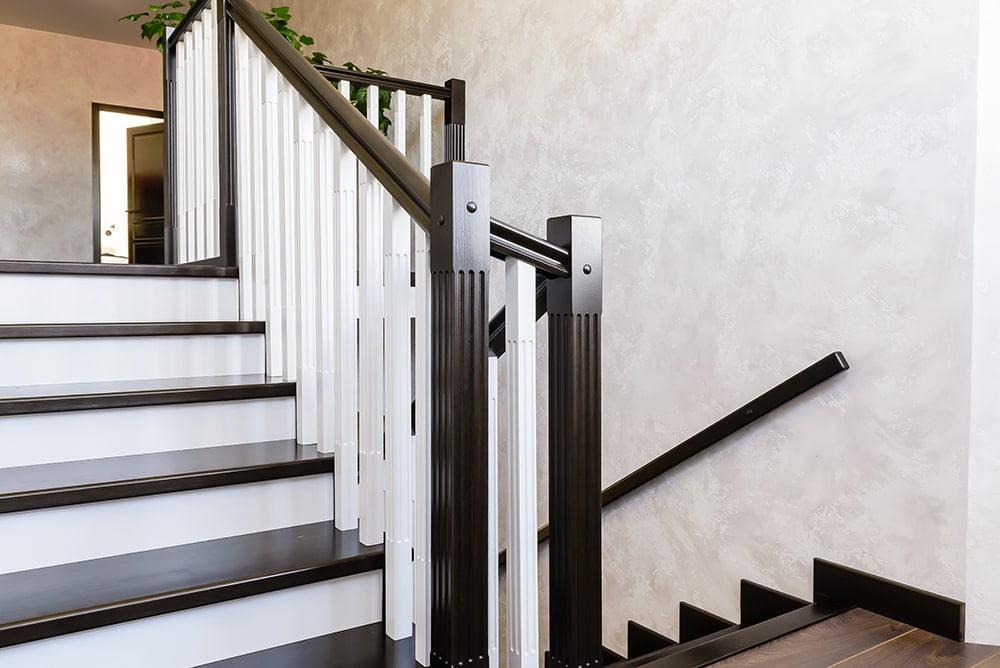 Облицовка бетонной лестницы деревом