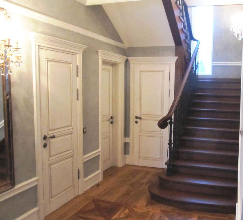 Дом с лестницей из дуба