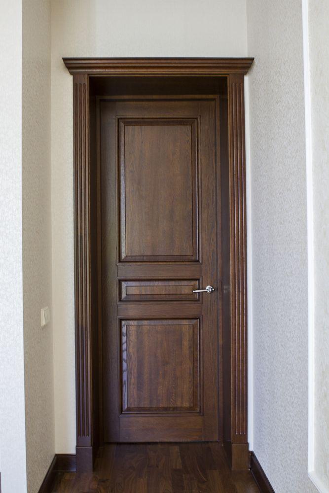 Межкомнатные двери из дуба с карнизом
