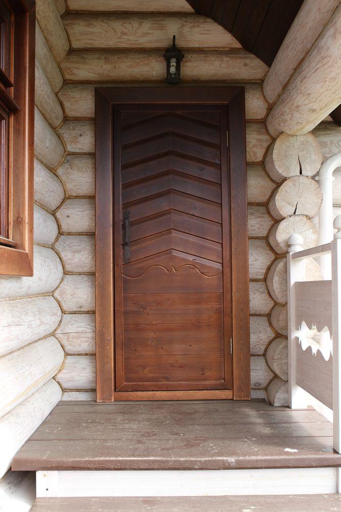 Входная дверь из массива сосны