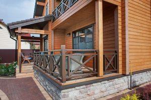 Ограждения для террас, балконов и крыльца из лиственницы