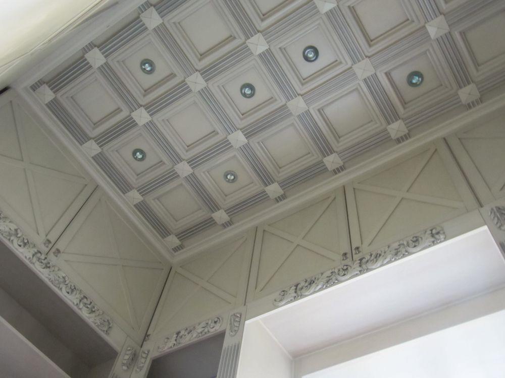 Кессонный потолок из МДФ и шпона дуба
