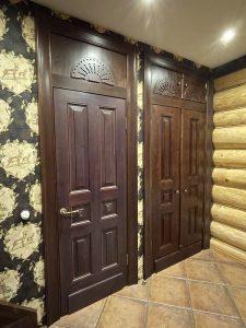 Встроенный шкаф из массива сосны в прихожую