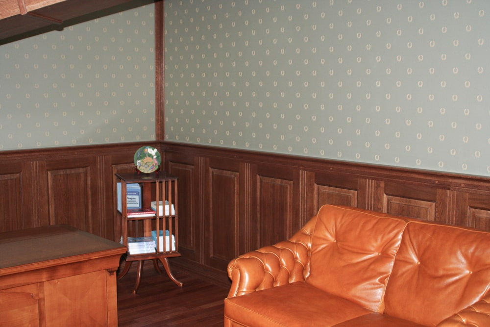 Классические стеновые панели из дуба