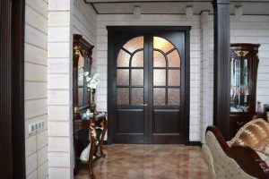 Деревянные двери из дуба со стеклом