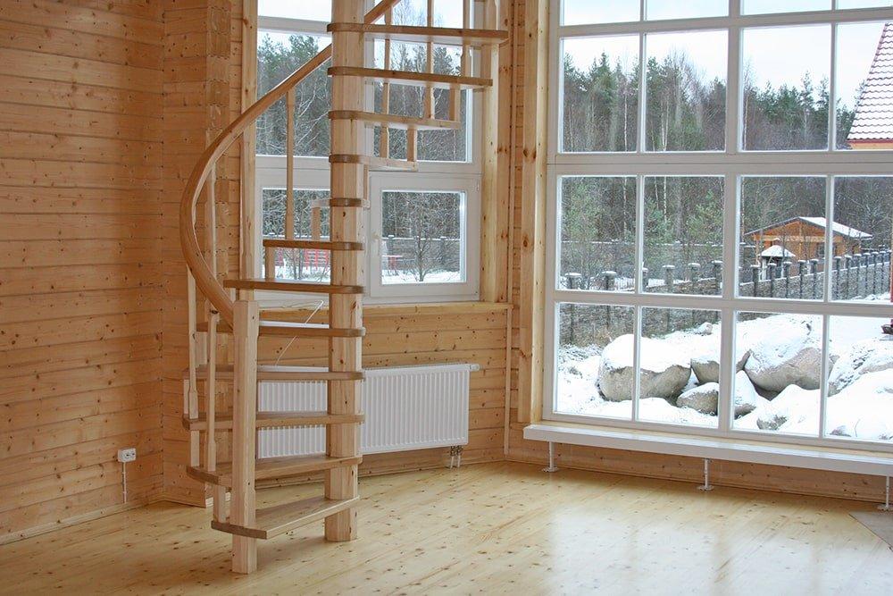 Винтовая лестница из массива сосны и лиственницы