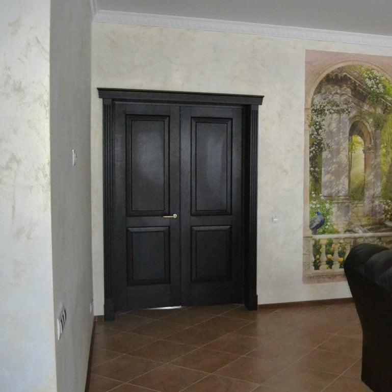 Распашные двустворчатые межкомнатные двери из дуба